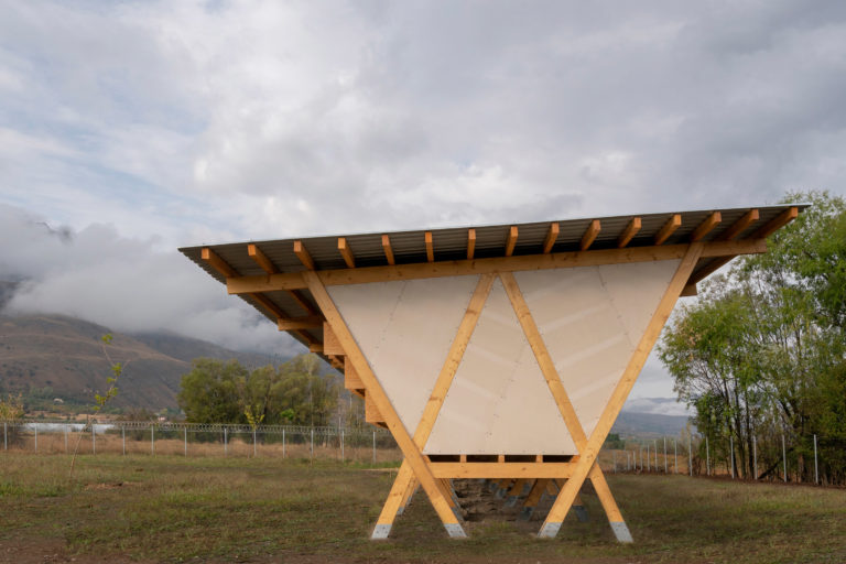 house-of-chickens-by-so-architecture-_dezeen_2364_col_2